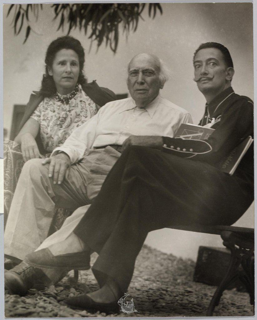 El padre, junto a Dalí y a Gala