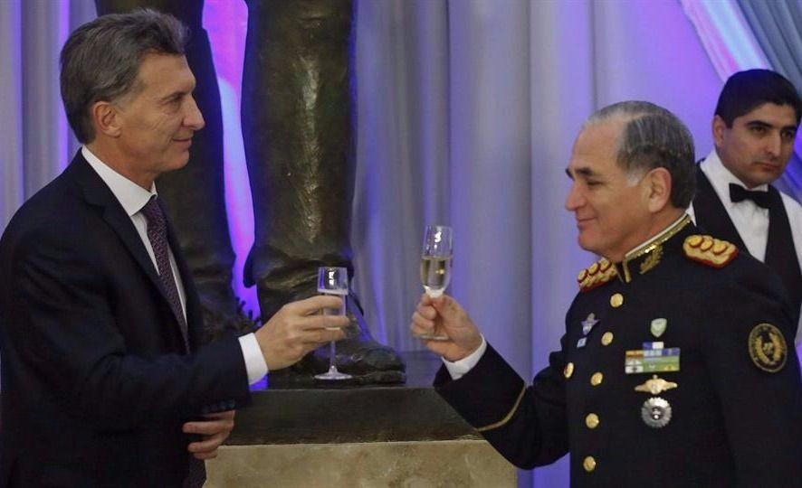Mejoran las relaciones del Gobierno y las Fuerzas Armadas