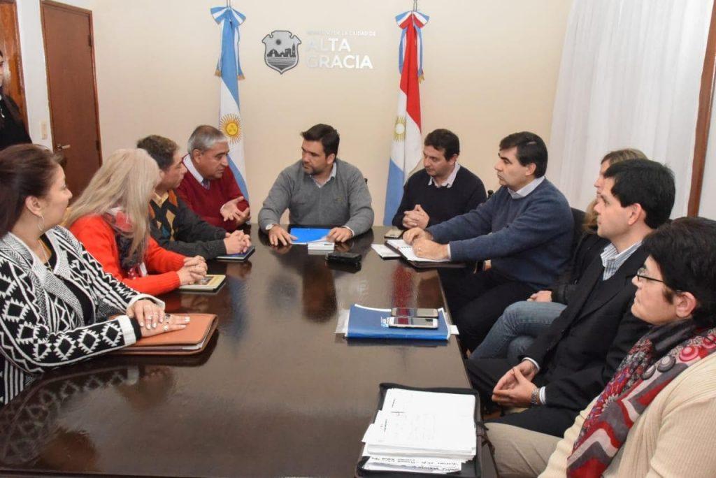 El convenio se firmó con el aval del Ministerio de Educación de la Provincia.