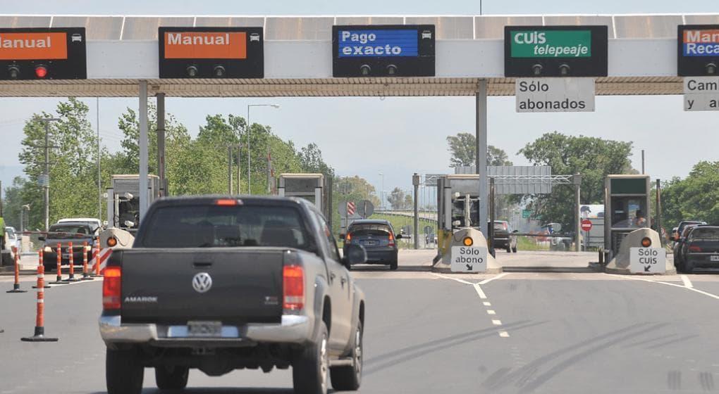 Personal de salud y fuerzas de seguridad estarán liberados de pagar peajes en las rutas. Así lo dictaminó una resolución del Gobierno Nacional.