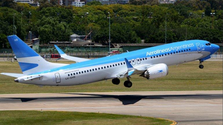 Aerolíneas canceló 371 vuelos por el paro de pilotos