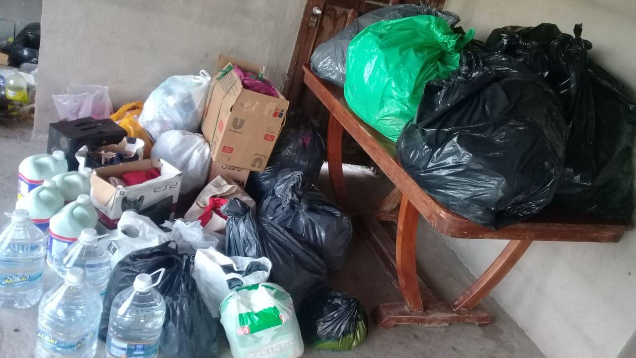 Villa del Prado: referentes sociales entregaron ayuda a inundados
