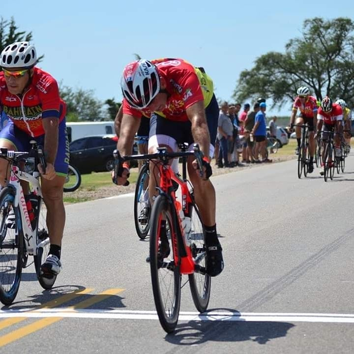 Ciclismo: Gustavo Gómez hizo podio en el inicio del Provincial