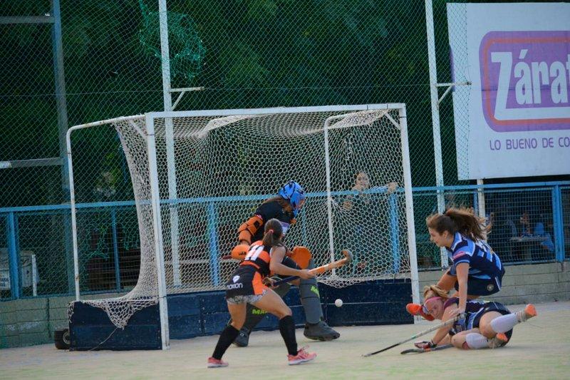 Alta Gracia Hockey goleó de visitante en su debut