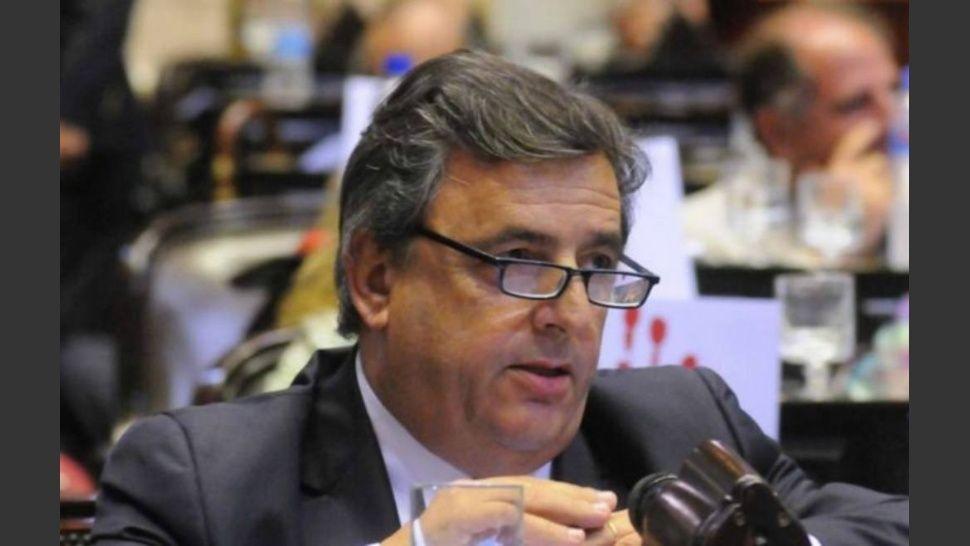 Arde la interna radical: Negri dice que lo quieren echar del partido