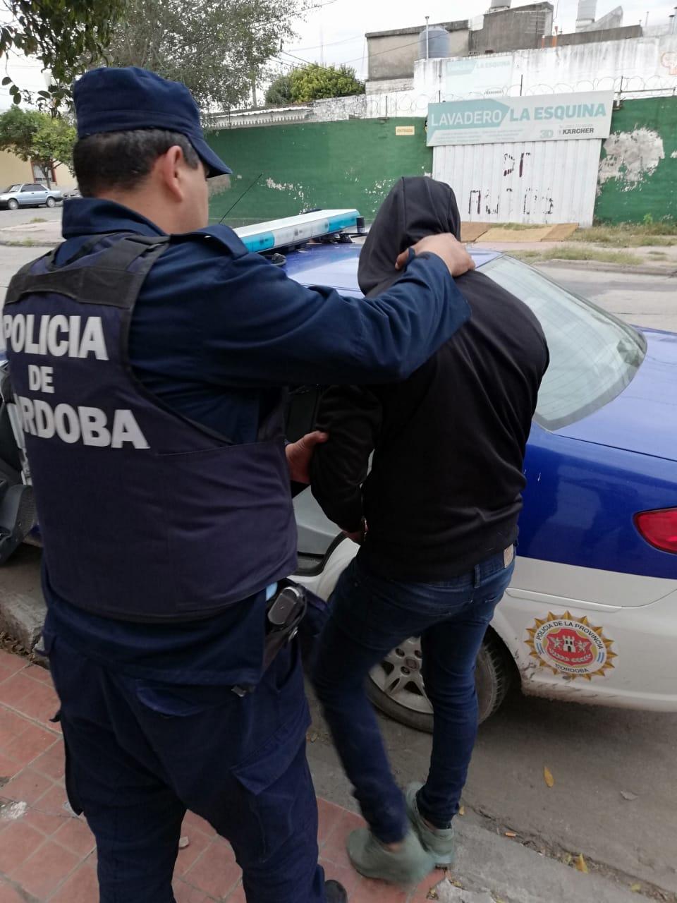 Van cayendo: dos detenidos por el robo a Santiago Expósito
