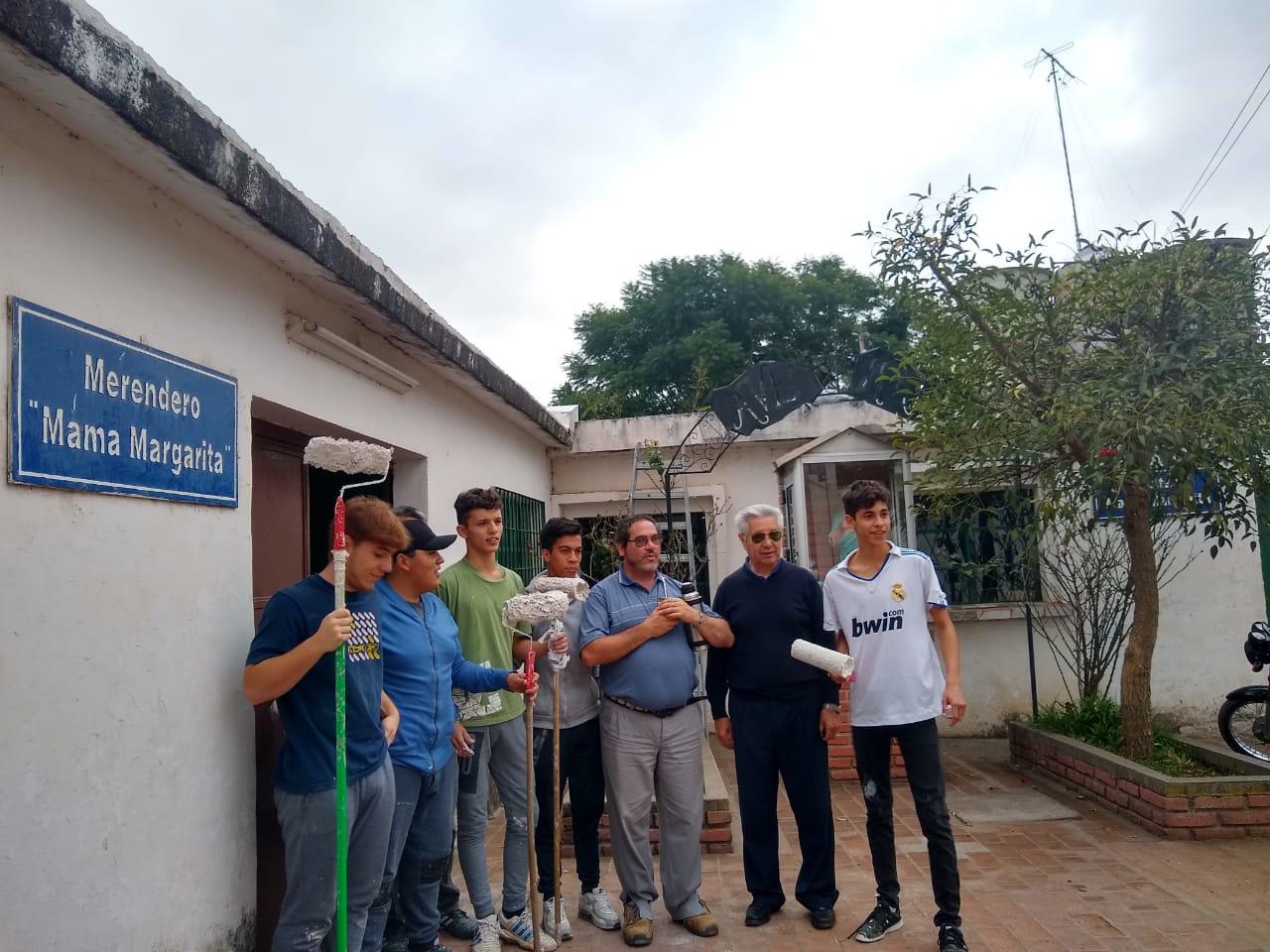 Alumnos del Instituto Manuel de Falla reacondicionaron un merendero