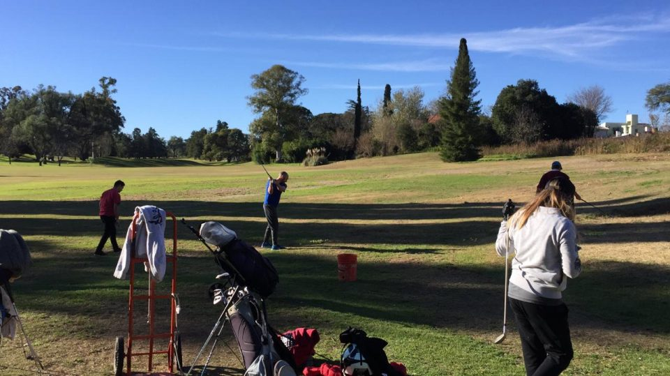 Ya se disputa Campeonato Provincial de Interclubes en el Alta Gracia Golf