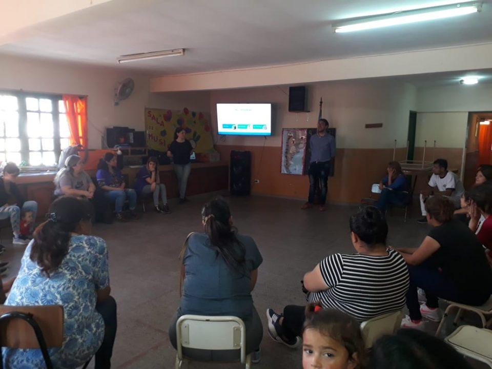 Se realizó taller para padres sobre prevención de adicciones