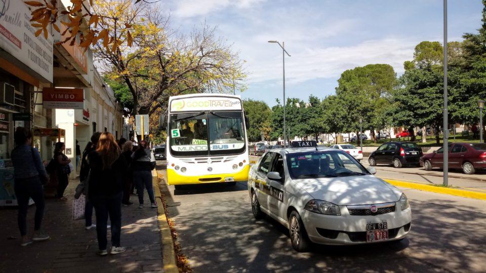 Nuevos aumentos en el transporte urbano y en los taxis y remises