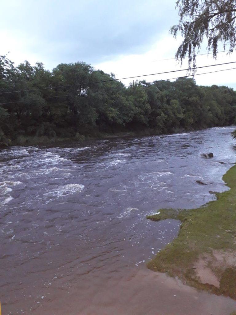 El río Anisacate no presenta creciente de magnitud y el tránsito es normal