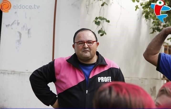 Jorge Aldet: el policía que es entrenador de fútbol y dibujante