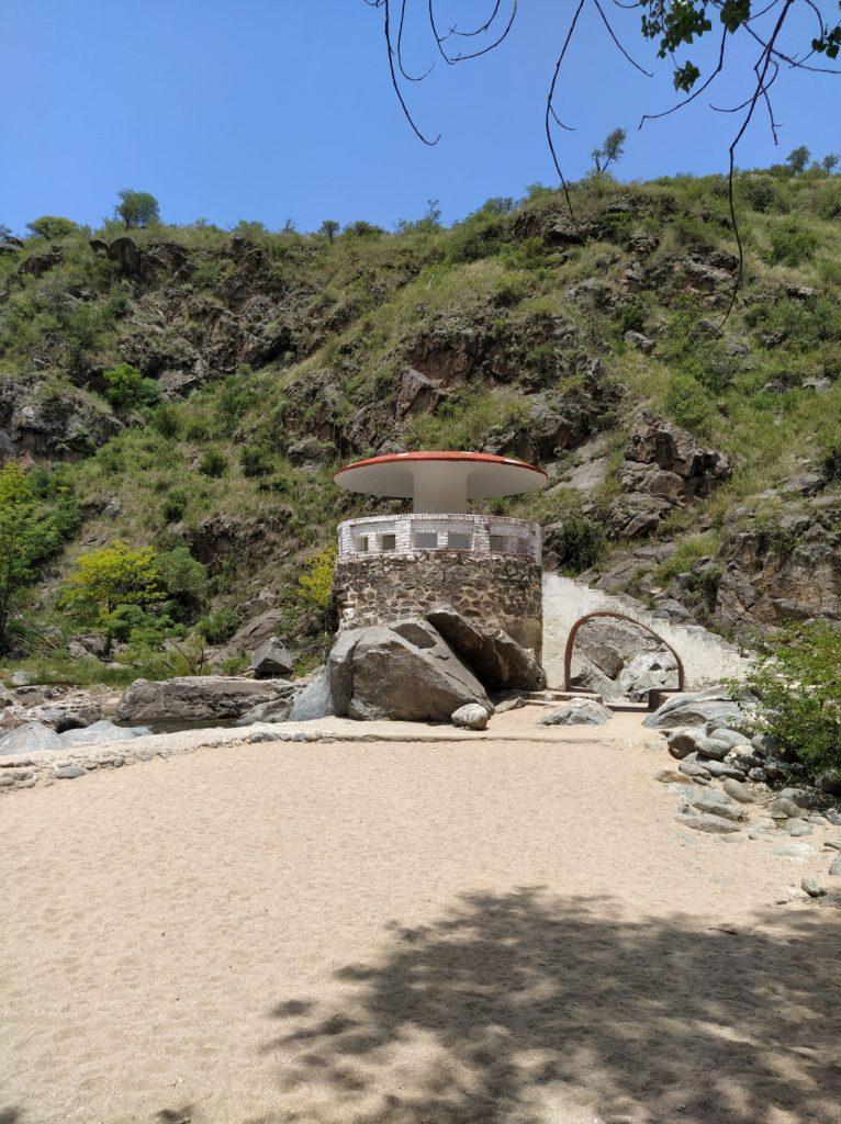 La estructura fue re construida luego de una crecida del río Anizacate