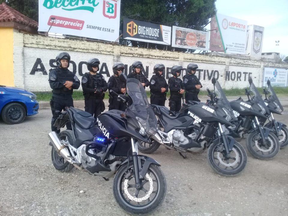 La ciudad se vio invadida de efectivos policiales. Pero también de rumores y falta de información oficial.