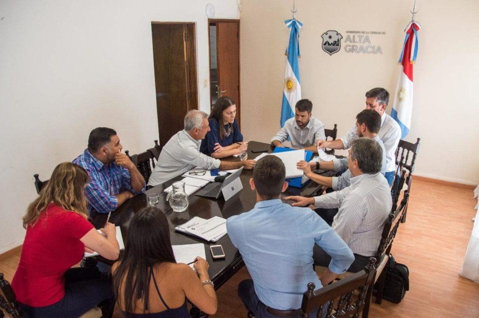 El Intendente Marcos Torres se reunió con funcionarios provinciales para avanzar en los proyectos.