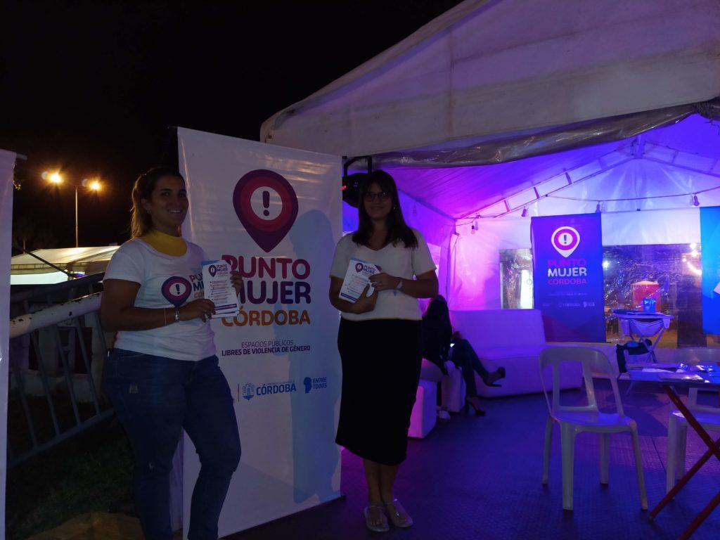 El stand de Punto Mujer se orienta a fortalecer un espacio libre de violencia de género