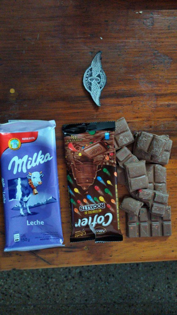 Se llevaba chocolate sin pagar y terminó en la Comisaría