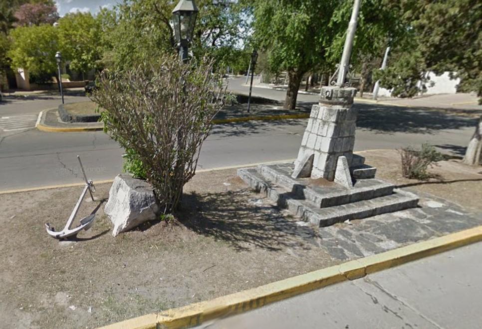 Homenaje a un caído en el Crucero General Belgrano