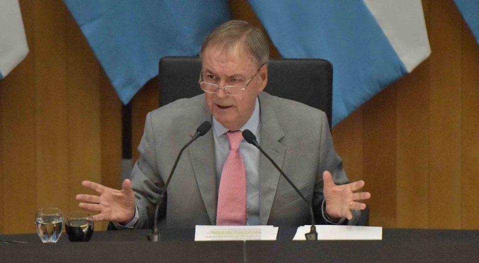 Lo anunció por las redes sociales el propio gobernador Juan Schiaretti. Durante 4 meses no habrá descuentos en la coparticipación.