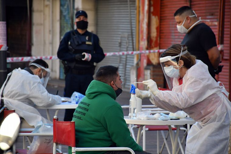 Covid-19: Detectaron casos vinculados al Mercado Norte en 16 barrios de Córdoba