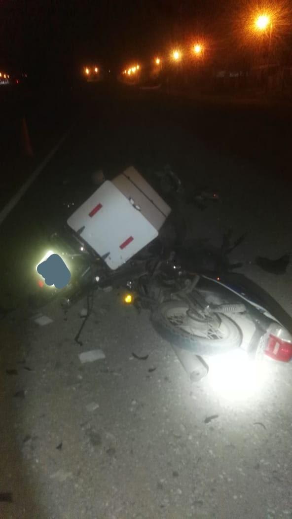 Uno de los rodados estaba trabajando de delivery. El otro, según testigos, circulaba sin luces delanteras.
