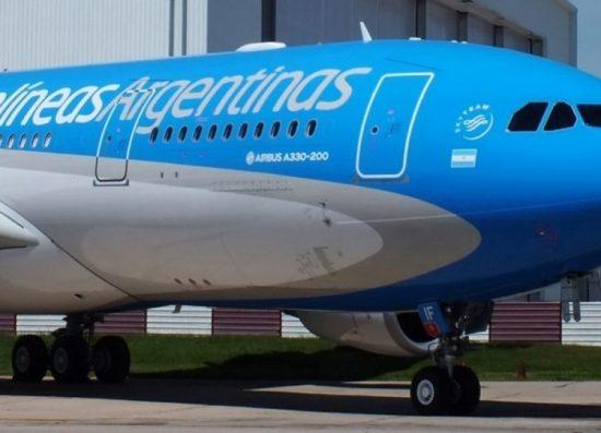 Aerolíneas Argentinas confirmó cuatro vuelos especiales