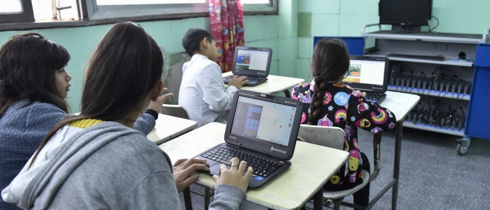Avanza el plan de conectividad para estudiantes del país