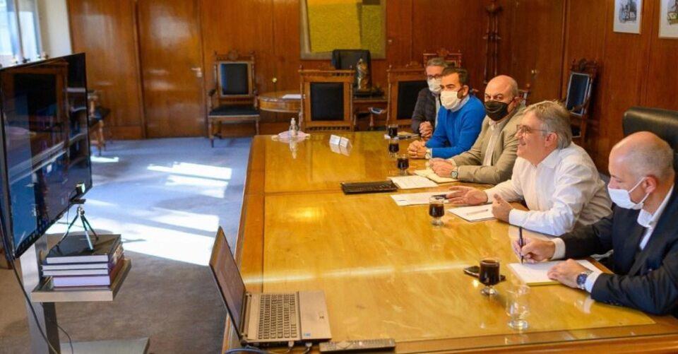 """Empresarios del transporte apoyan la """"patriada"""" de intendentes del interior"""