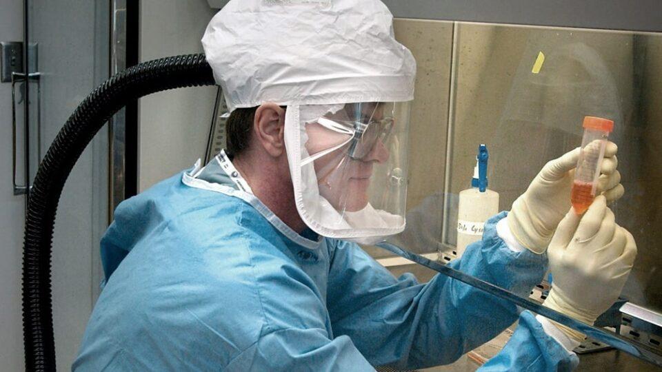 Una droga redujo la mortalidad en pacientes graves con coronavirus