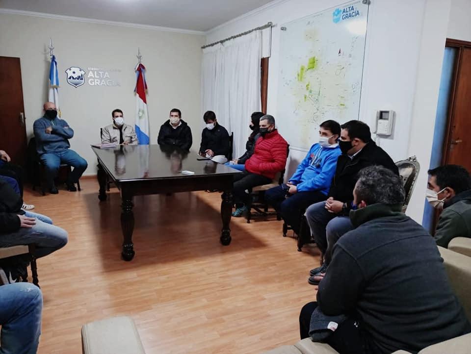 Dirigentes de la Liga Infantil fueron convocados por el intendente. Les ratificaron la continuidad de las ayudas.