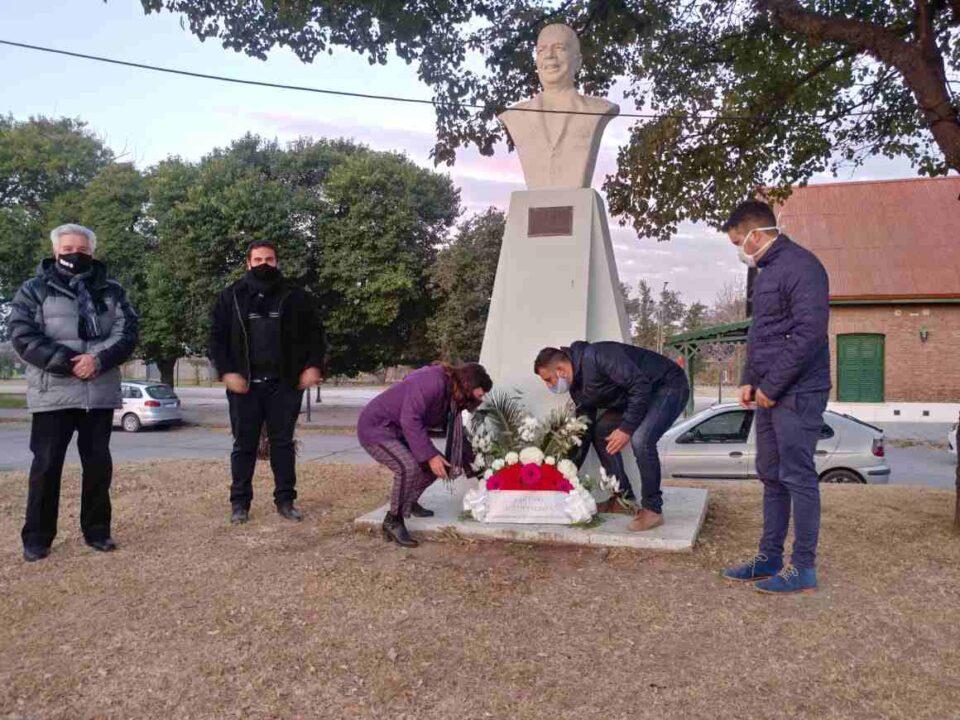 Ayer, a 46 años de su fallecimiento, autoridades locales y militantes justicialistas honraron la memoria de Juan Domingo Perón.