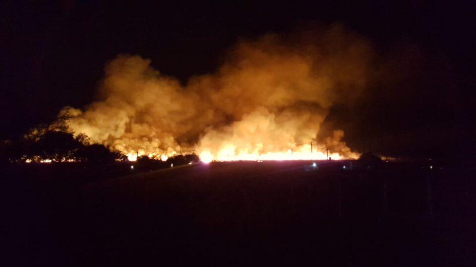 Los Bomberos Voluntarios trabajaron en un incendio desde las 4 y media de la mañana.