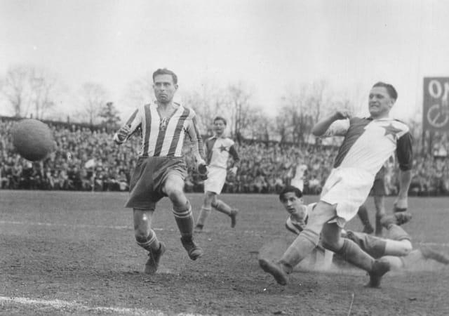 Las increíbles cifras goleadoras de Josef Bican. Un romperredes tremendo y un inclaudicable luchador por la libertad.