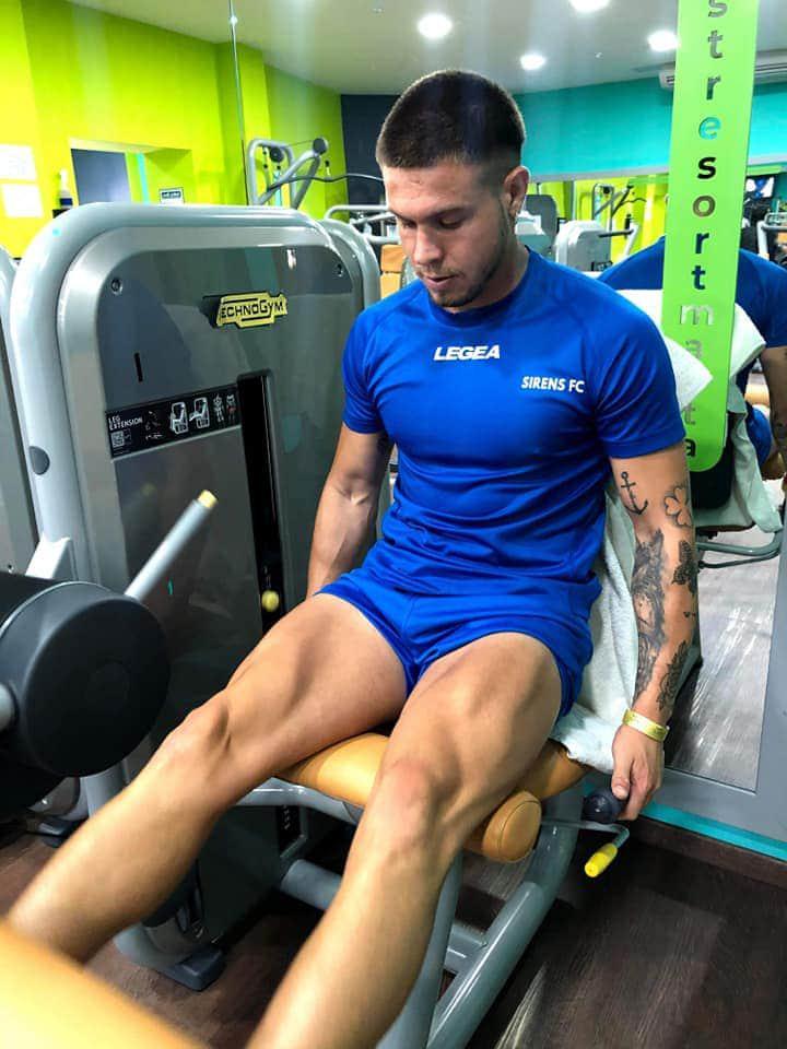 Manuel Bustos entrenando