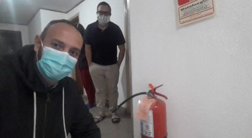 Kevin, Nash, de Alta Gracia está en este grupo de repatriados que fue obligado a instalarse en Huerta Grande en pésimas condiciones.