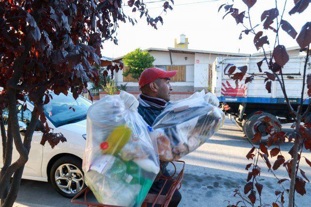 El martes habrá en Santa Ana una prueba piloto de recolección diferenciada de residuos. Lo confirmó el intendente José Luis Becker.