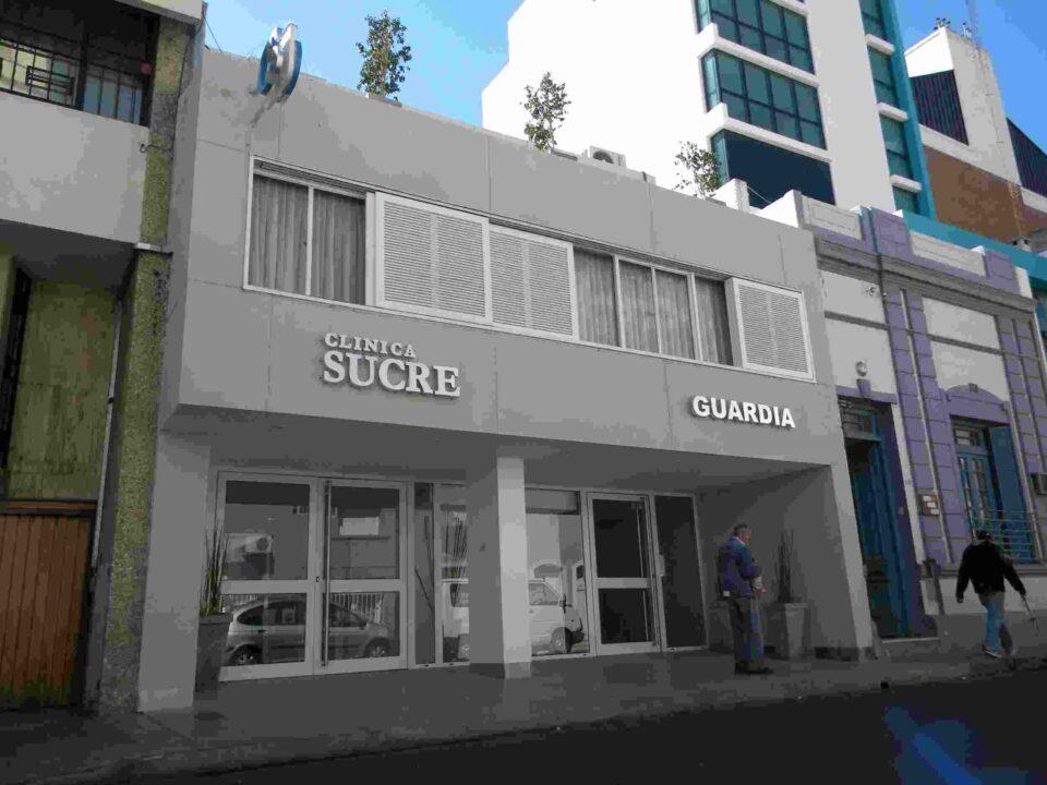 Contagios en Clínica Sucre. La Municipalidad dispuso un número telefónico para avisar si se estuvo en contacto con personal o pacientes de esta clínica.
