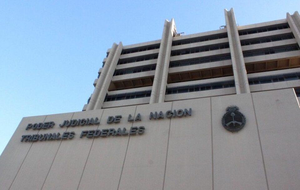 Finalmente, la Justicia Federal resolvió archivar el tema tras concluir que Alós se quitó voluntariamente la vida.