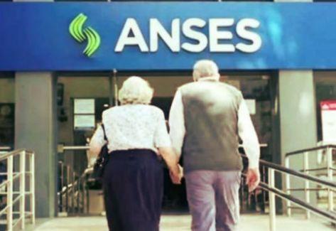 Fue en una conferencia de prensa de la que participaron el jefe de Gabinete, Santiago Cafiero, y la titular de la ANSES, Fernanda Raverta.