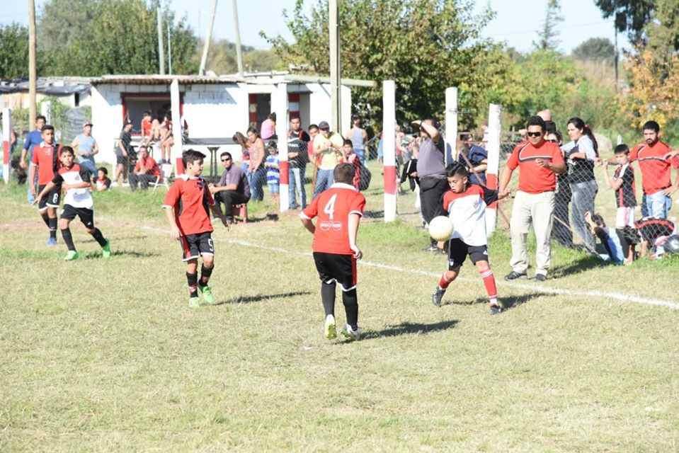 Los representantes de los clubes de la Liga Infantil de Fútbol lo resolvieron anoche por unanimidad en reunión extraordinaria.
