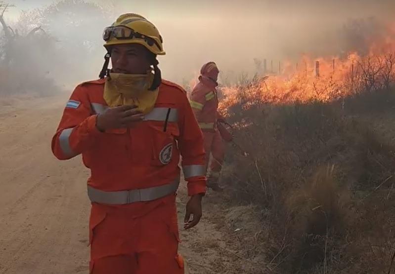 Hay frentes de fuego en La Rancherita y en la zona de José de La Quintana y Villa San Isidiro. No hay evacuados por ahora.