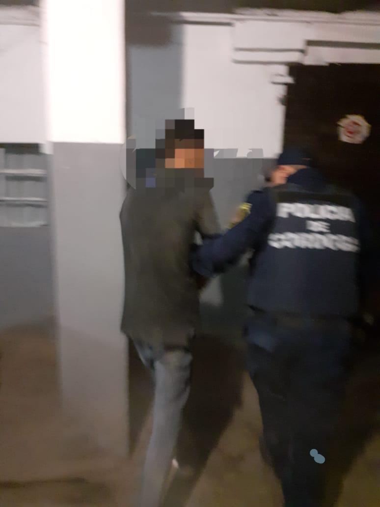 Santa Ana: Cuando vio a la policía los empezó a insultar