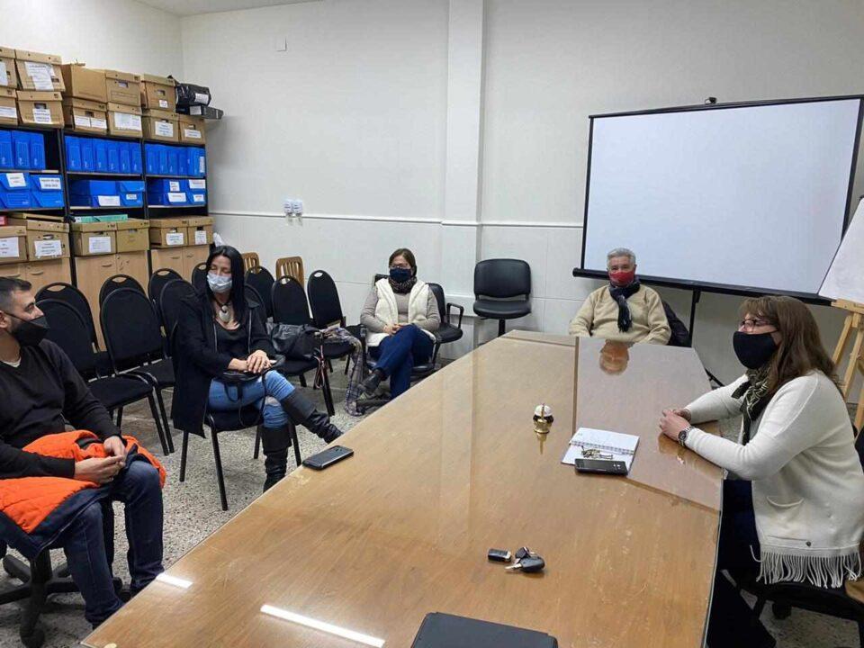 El bloque de concejales del oficialismo mantuvo una reunión con los comerciantes para tocar la problemática del sector.