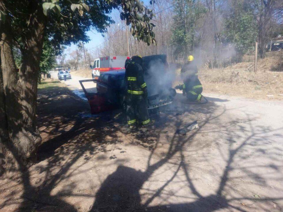Se incendió un auto en ruta 5