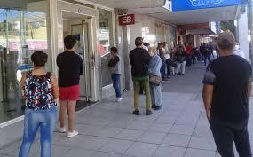 Por cuarto día, los bancos no venden dólares y piden datos a Anses y al BCR