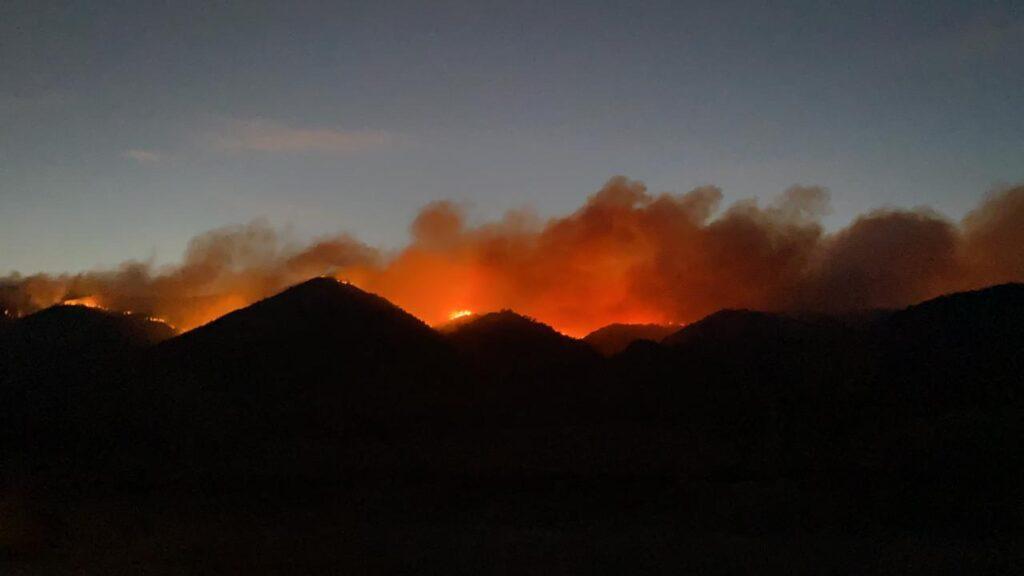 Los focos de incendio en Carlos Paz y Unquillo permanecen activos