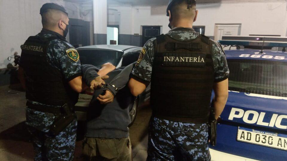 Un Hombre de 28 años fue detenido por robo en B° Parque del Virrey.