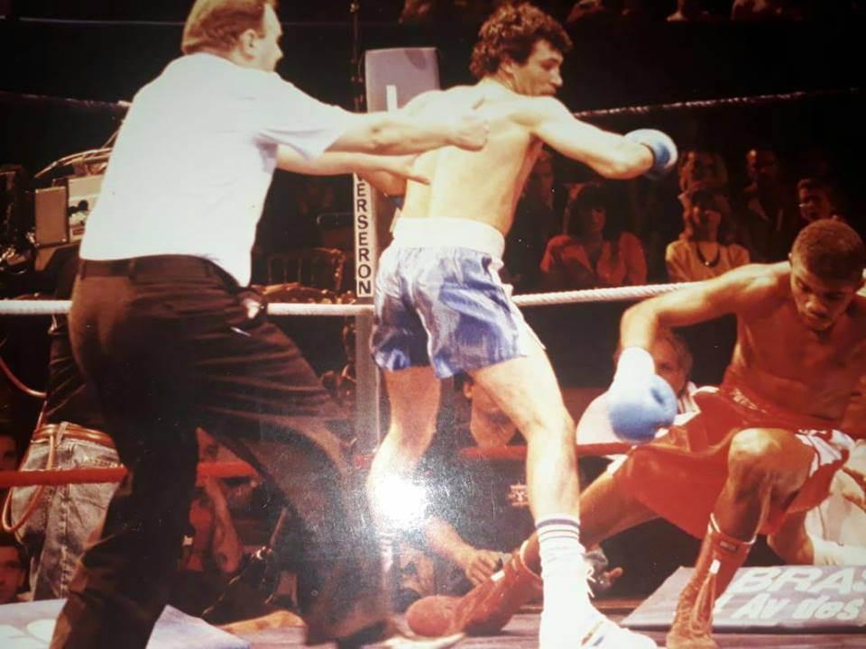 En el Día del Boxeador, Alberto Cortes pega primero... y pega fuerte