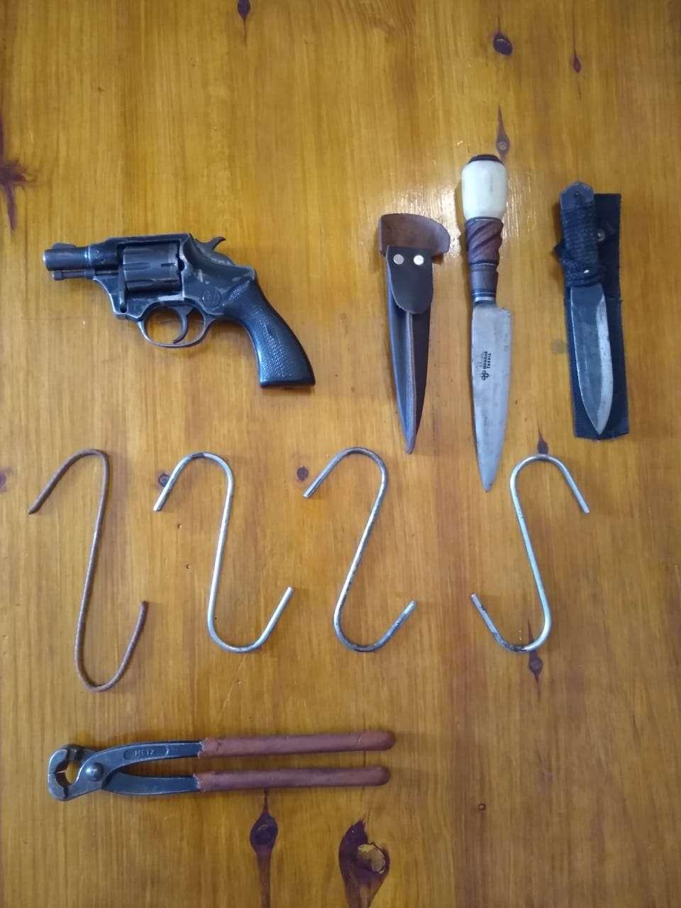 Secuestraron elementos y un revólver utilizados por cuatreros