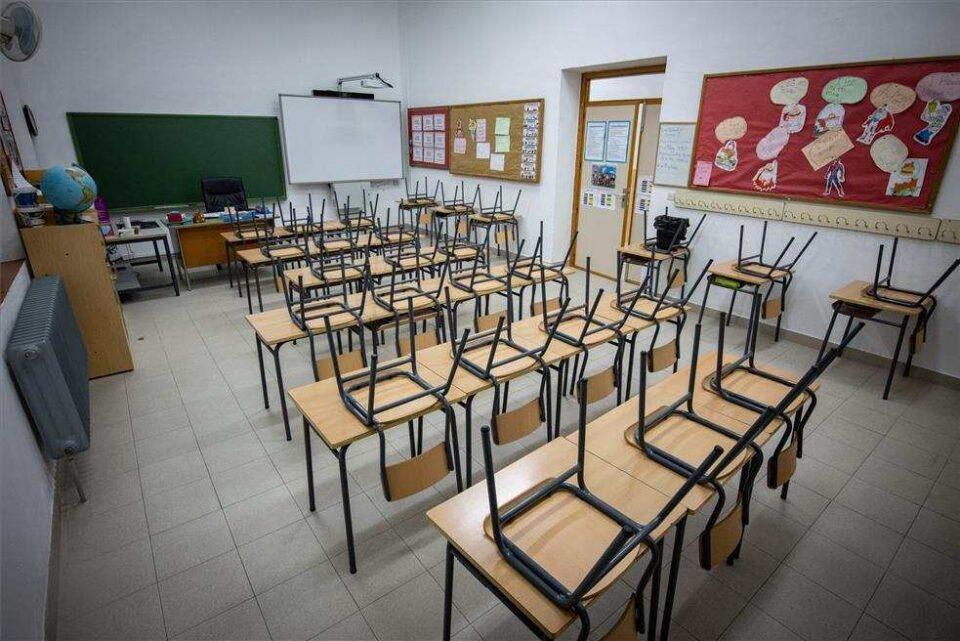 Padres de 70 colegios cordobeses piden volver a las clases presenciales